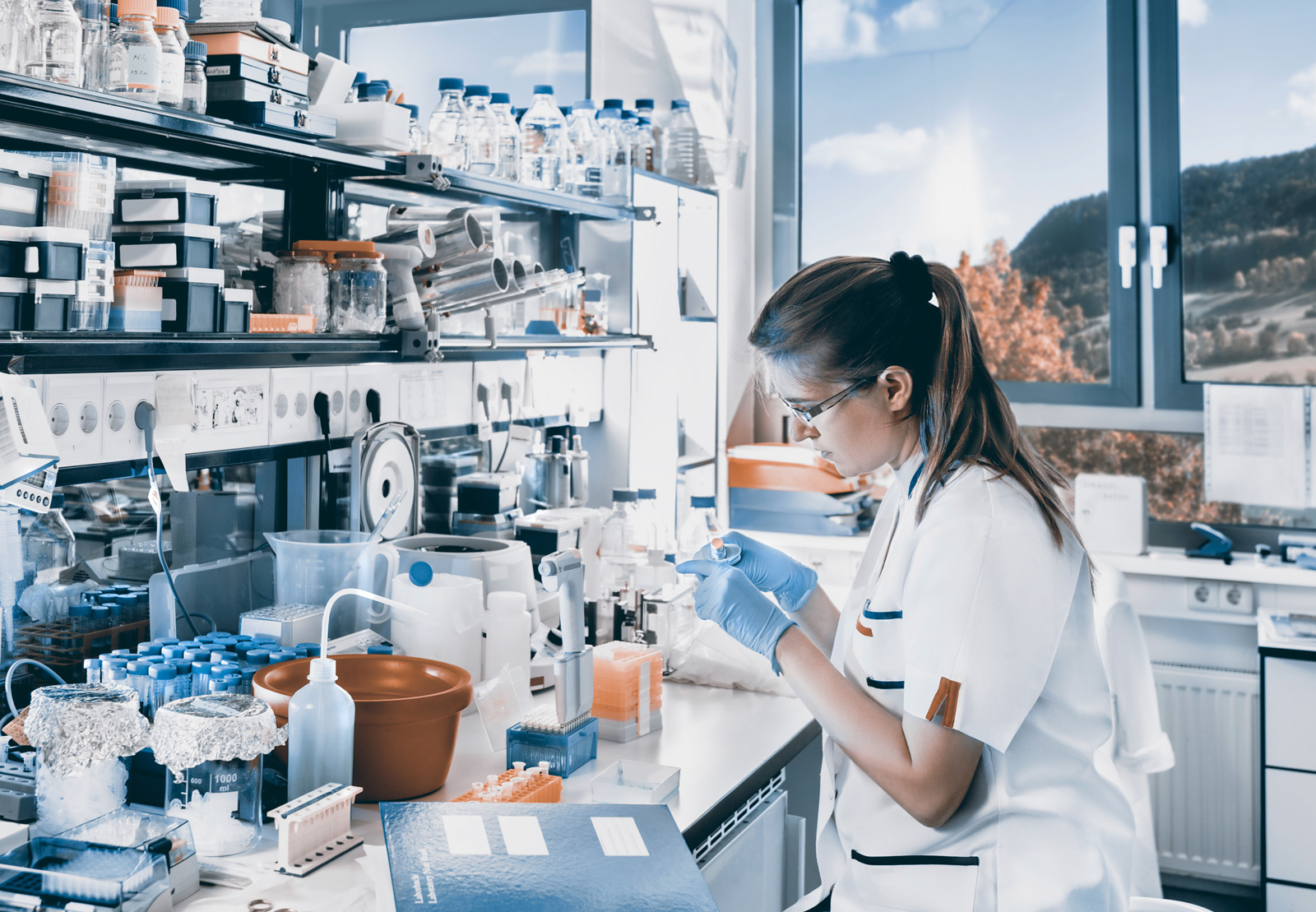 forensic toxicology Forensic toxicology in death investigation 33 is often difficult if not impossible for the pathologist and toxicologist to confer on each.